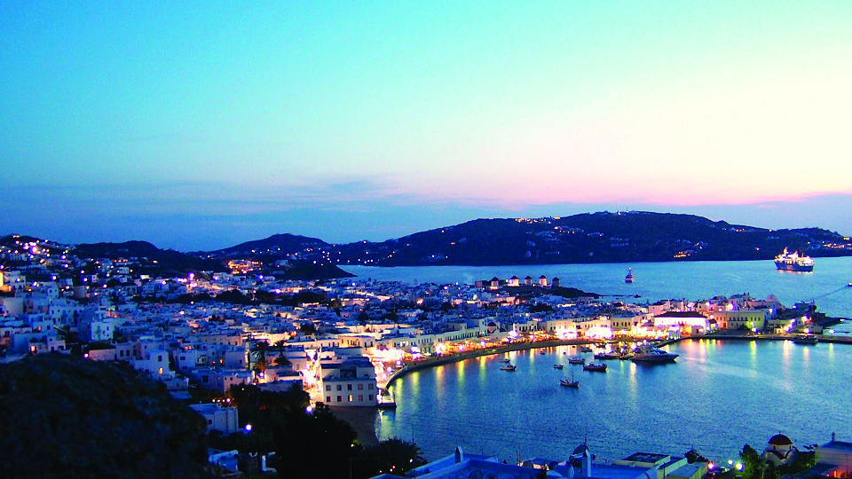 /images/r/mykonos-overlooking-the-sea/c960x540g0-330-2583-1783/mykonos-overlooking-the-sea.jpg