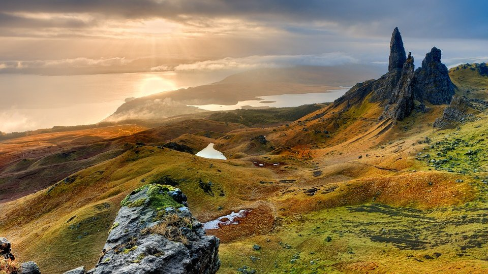 /images/r/scotland-island-of-skye/c960x540g0-50-960-590/scotland-island-of-skye.jpg